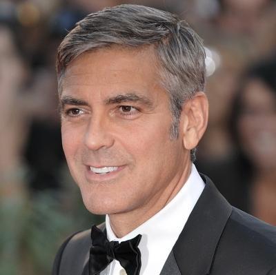 Кто озвучивает Джорджа Клуни